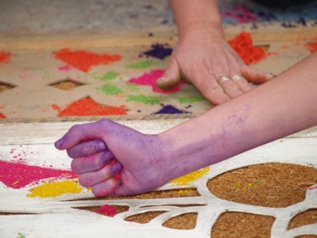 Taller sobre elaboraci n de alfombras de aserr n colegio - Alfombras que se pueden fregar ...