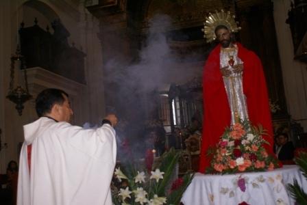 http://colegiosanbenito.files.wordpress.com/2008/06/misa-en-la-convocatoria-del-ano-jubilar-de-la-basilica-de-esquipulas106.jpg